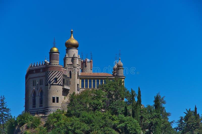 Vista del castello di Rocchetta Mattei fotografia stock libera da diritti