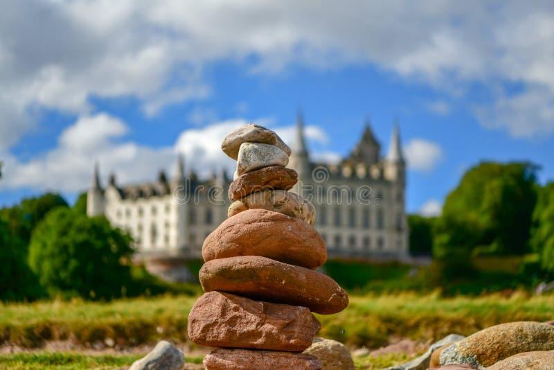 Vista del castillo y del jard?n Escocia Reino Unido de Dunrobin imagen de archivo