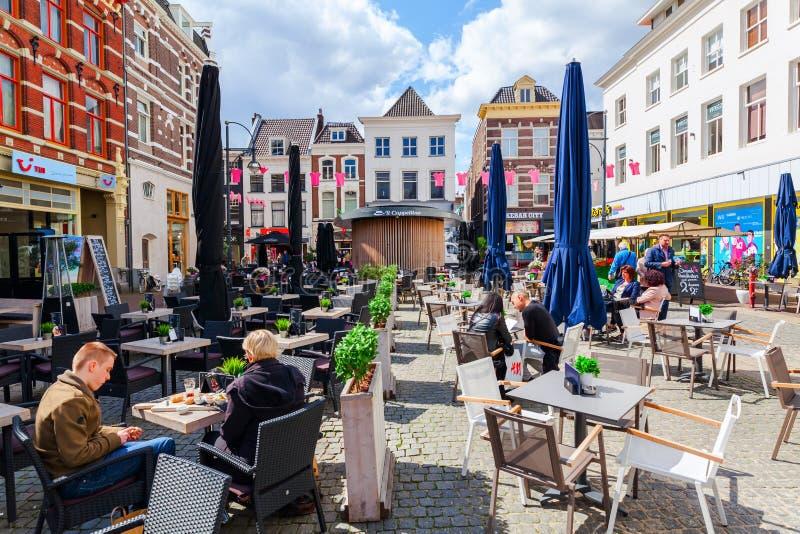 Vista del centro de ciudad de Arnhem, Países Bajos foto de archivo