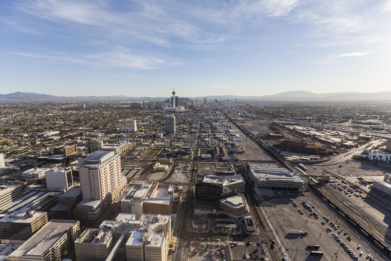 Vista del centro dell'antenna di Las Vegas verso la striscia fotografie stock libere da diritti