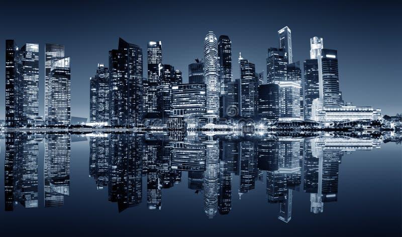 Vista del centro di notte di Singapore fotografia stock libera da diritti