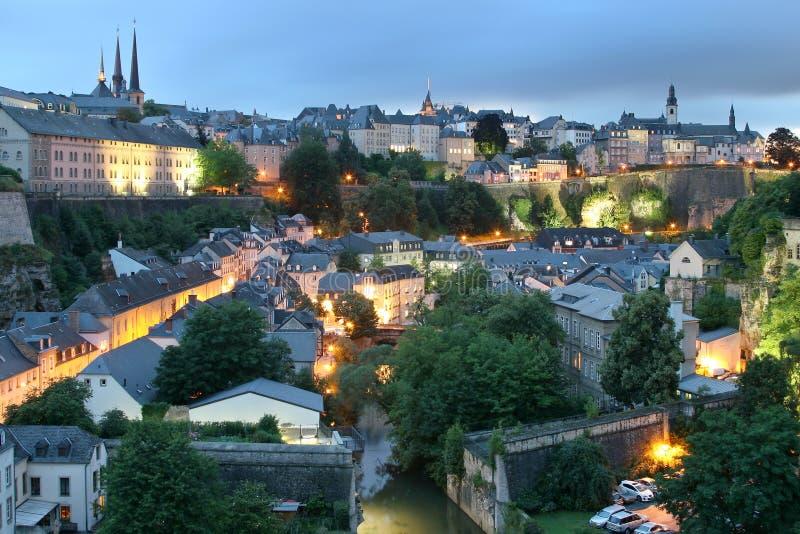 Vista del centro storico della città di Lussemburgo fotografie stock libere da diritti