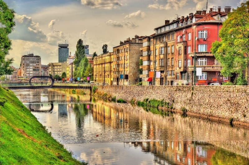 Vista del centro storico di Sarajevo fotografie stock libere da diritti