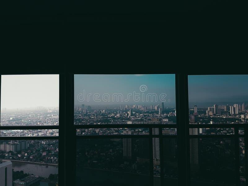 Vista del cielo della città da Makati fotografia stock libera da diritti