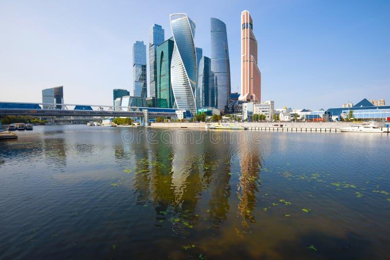 """Vista del complesso moderno """"città di palazzo multipiano di Mosca """" Mosca, Russia immagine stock libera da diritti"""
