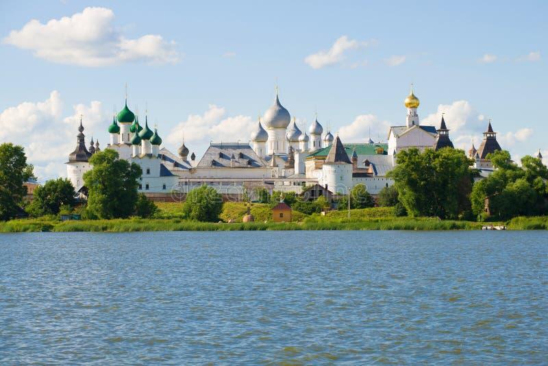 Vista del Cremlino di Rostov le grande Anello dorato della Russia immagine stock libera da diritti