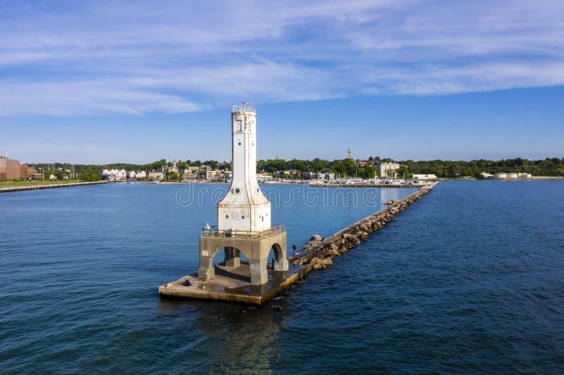 Vista del día de veranos portuario de Washington Breaker Light On A imagen de archivo libre de regalías