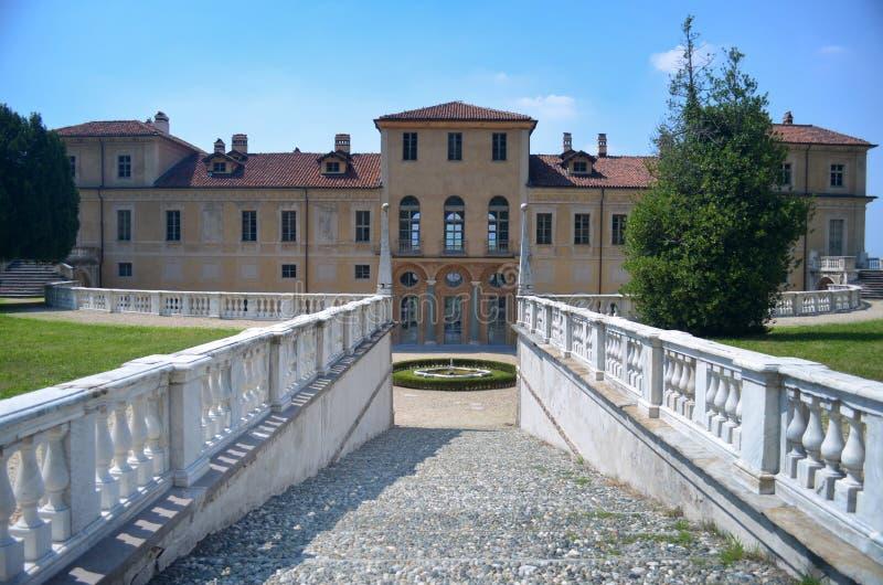 Vista del della Regina (el chalet del chalet de la reina) en Turín, Italia imágenes de archivo libres de regalías
