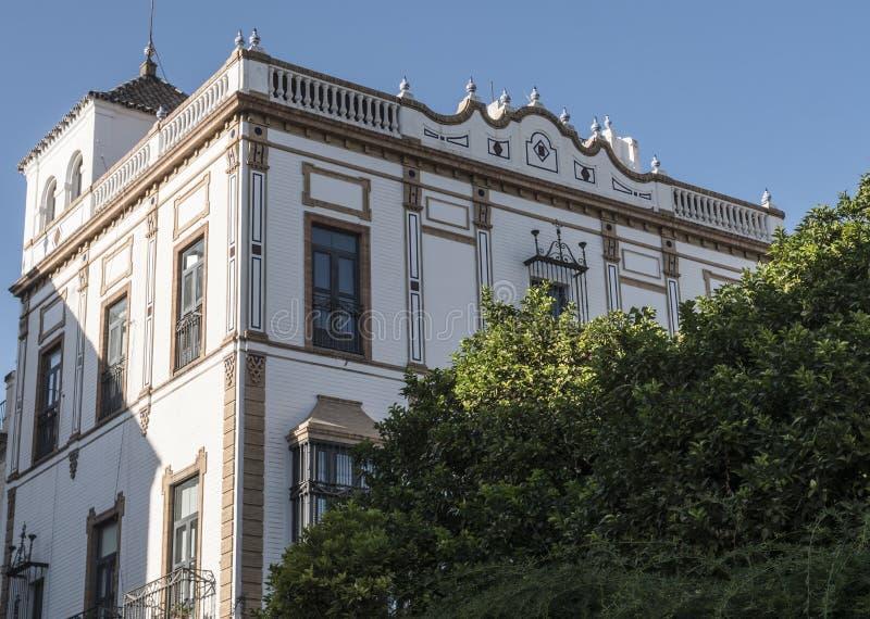 Vista del edificio Consulado general de Francia en Sevilla, colocado en Santa Cruz cuadrada, Andalucía, España imagenes de archivo