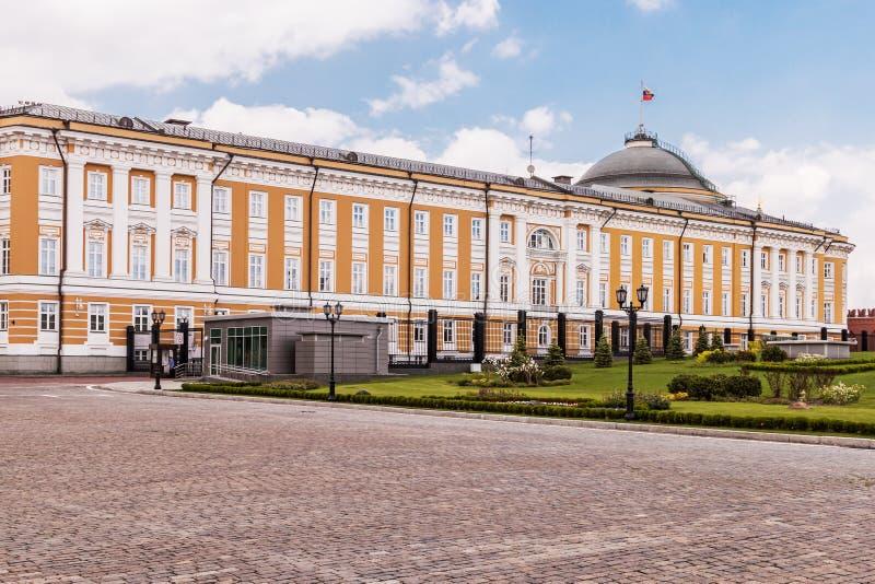 Vista del edificio del senado en la Moscú el Kremlin imagenes de archivo