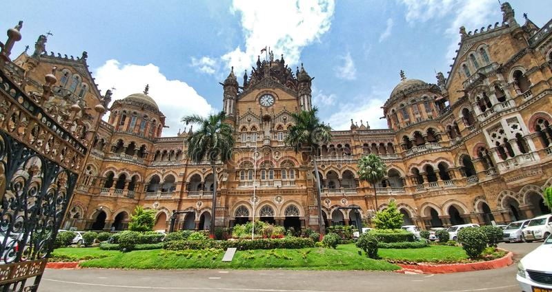 Vista del edificio victorian cerca de V T Edificio por la tarde, Bombay, maharashtra, la India de la estaci?n del CST fotos de archivo libres de regalías
