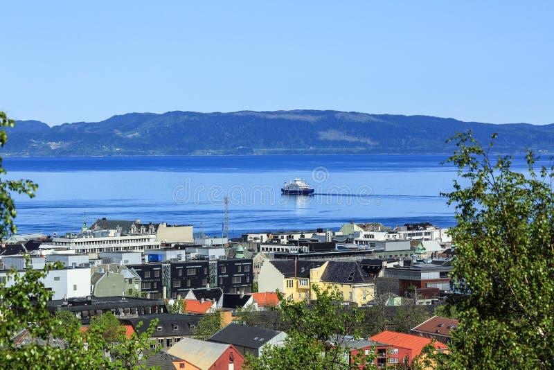 Vista del fiordo de Strondheim en Strondheim, Noruega imagen de archivo libre de regalías