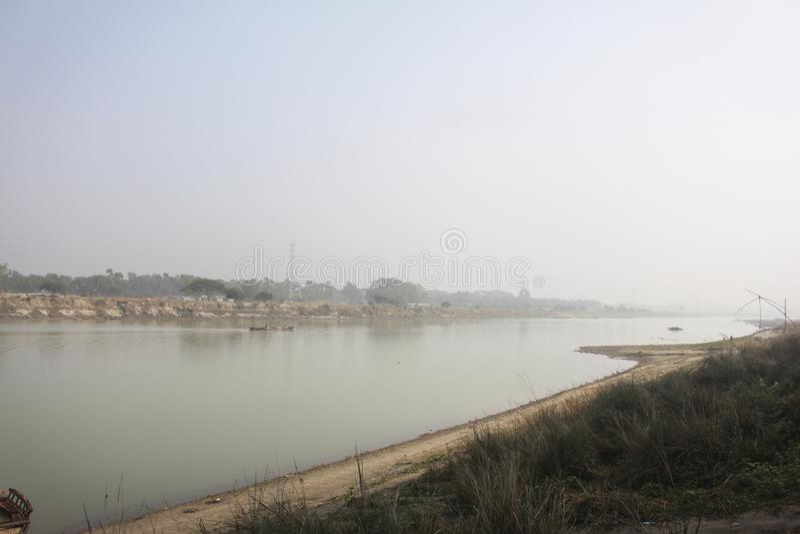 Vista del fiume Brahmaputra nel Mymensingh fotografie stock