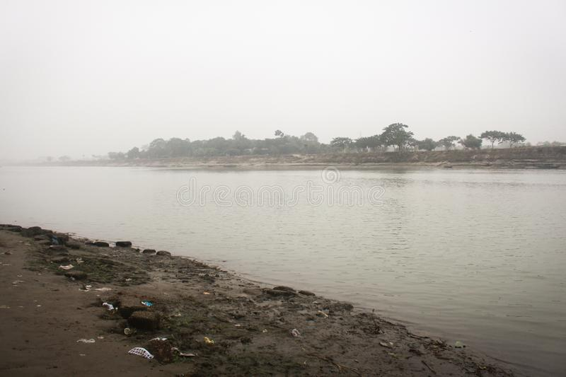 Vista del fiume Brahmaputra nel Mymensingh fotografie stock libere da diritti