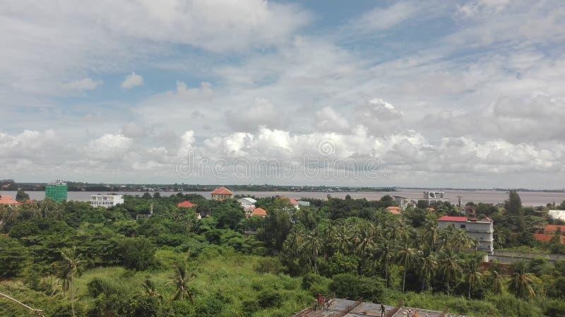 Vista del fiume con il changva chroy dell'albero fotografia stock libera da diritti