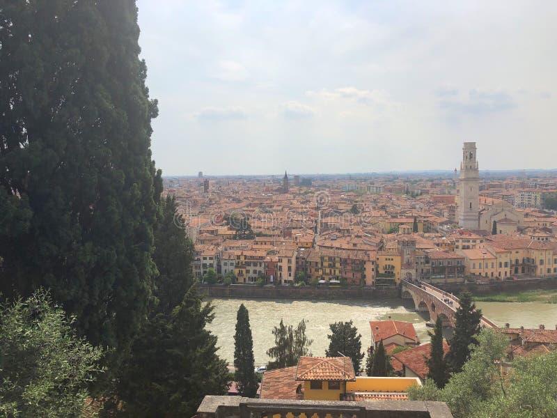 Vista del fiume di Adige, Verona, Italia fotografia stock