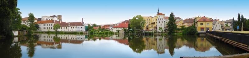 Vista del fiume in Jindrichuv Hradec immagine stock