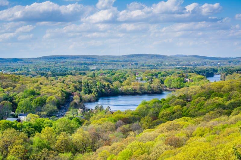 Vista del fiume del mulino da roccia orientale a New Haven, Connecticut fotografia stock libera da diritti