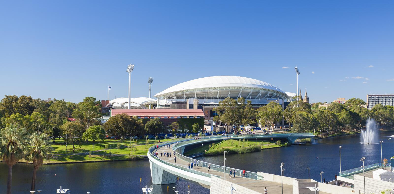 Vista del fiume Torrens e Adelaide Oval dentro immagini stock libere da diritti
