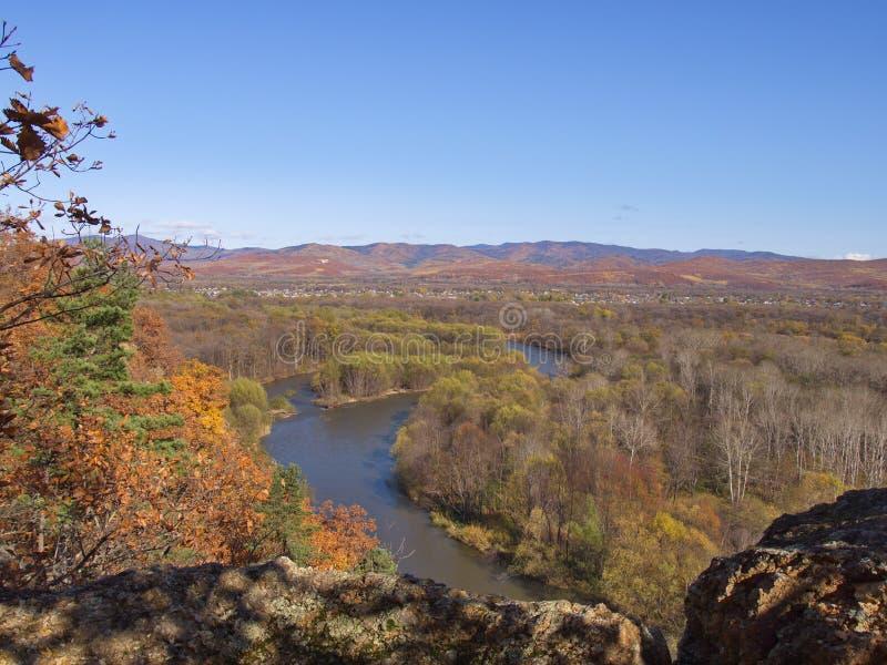 Vista del fiume Ussuri della valle fotografia stock