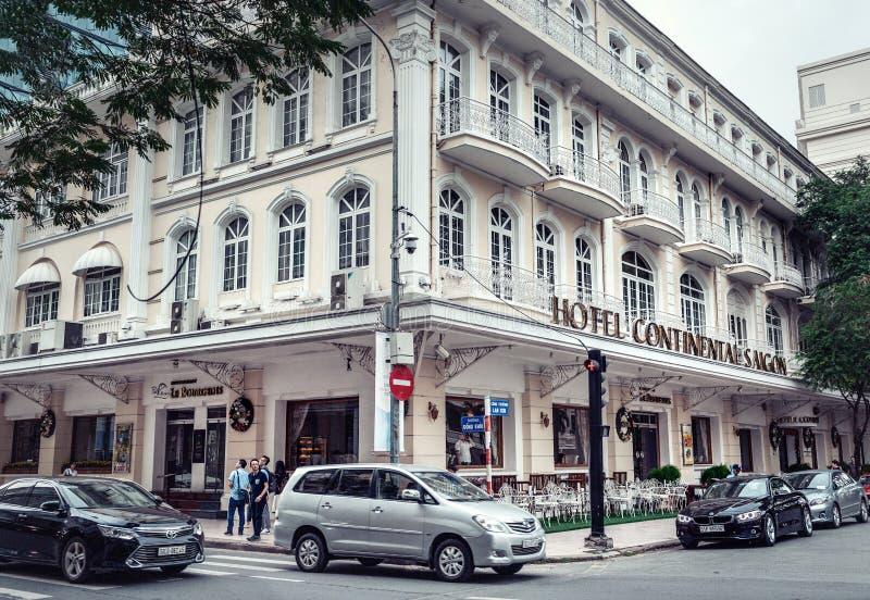 Vista del hotel edificio moderno y clásico de Saigon- continental en Ho Chi Minh City, Dong fotos de archivo