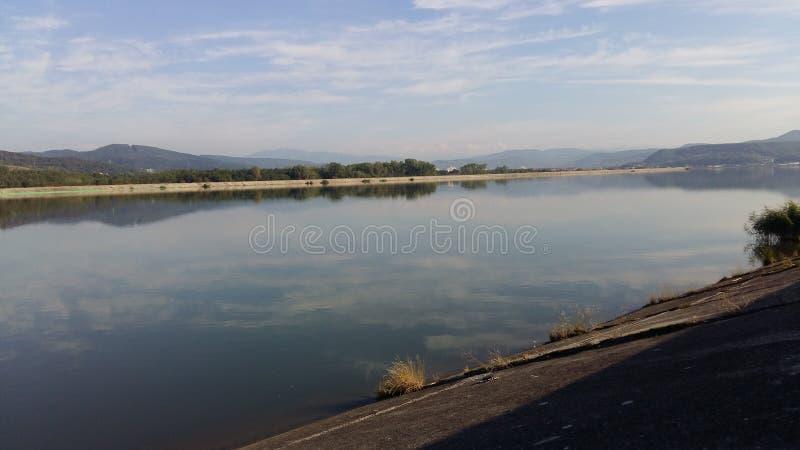 Vista del lago de la acumulación fotografía de archivo libre de regalías