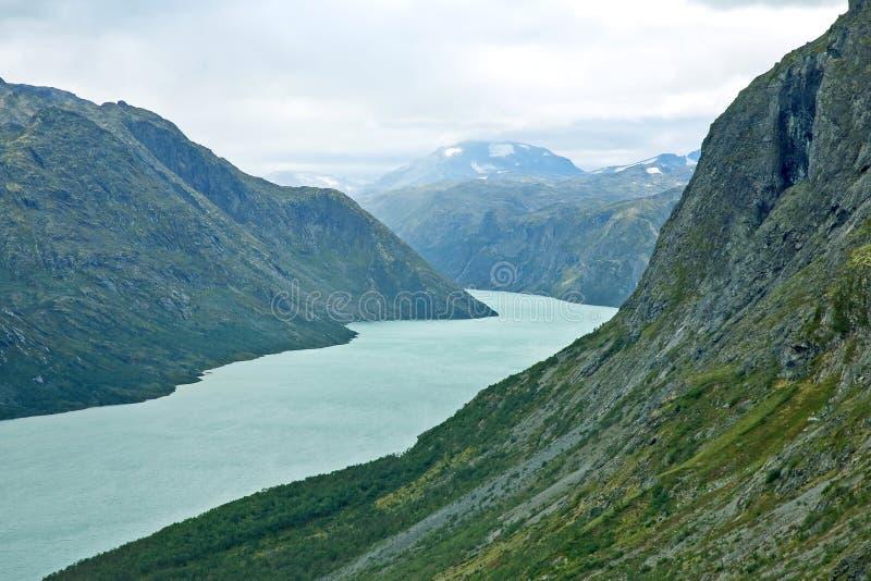 Vista del lago Gjende Sosta nazionale di Jotunheimen norway immagine stock libera da diritti