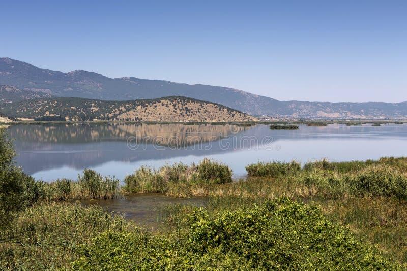 Vista del lago Hemaditida imagen de archivo libre de regalías