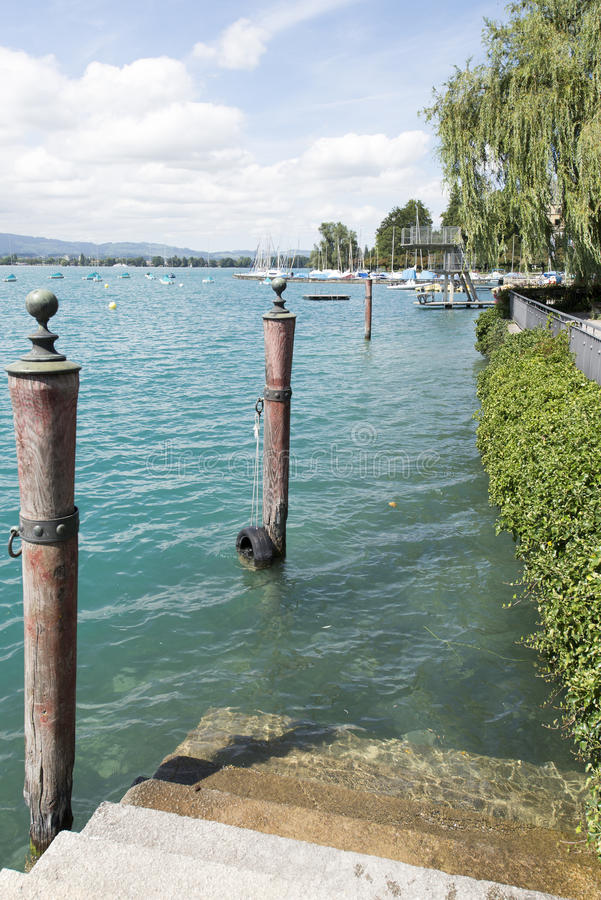 Vista del lago Thun fotografia stock libera da diritti