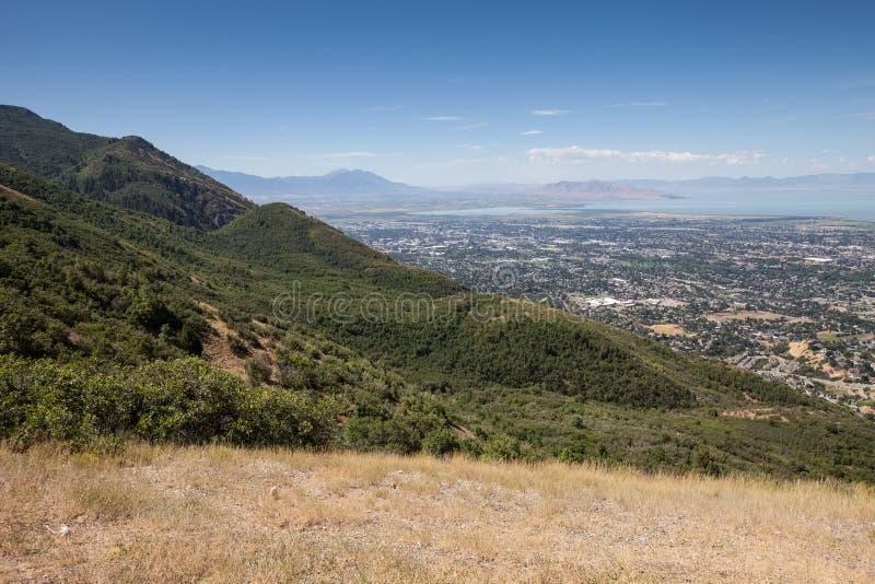 Vista del lago Utah y del valle de Utah fotos de archivo