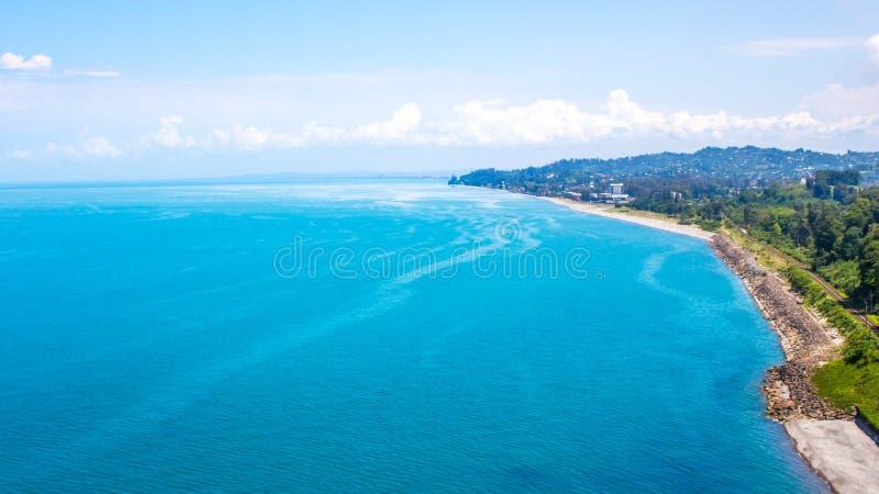Vista del mar de la altura de la montaña, Chakvi, Georgia foto de archivo