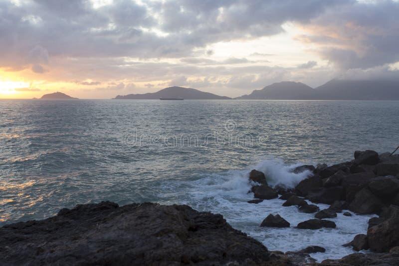 Vista del mar durante invierno fotografía de archivo