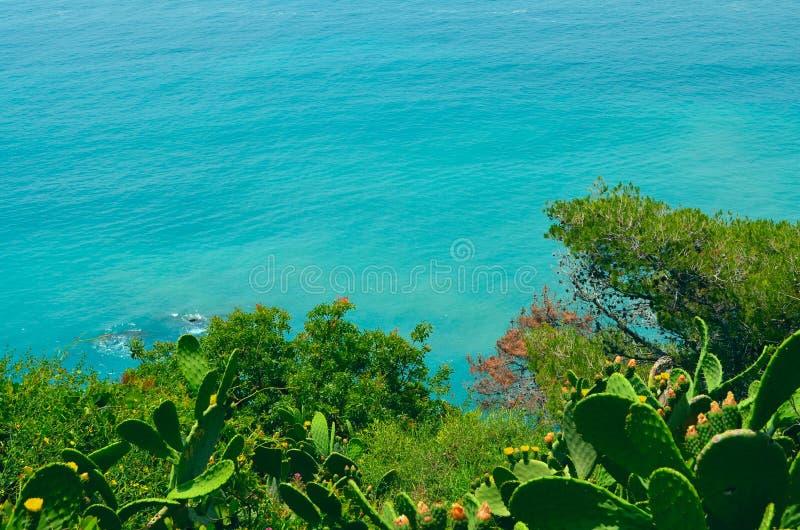 Vista del mar Ligure fotografie stock libere da diritti