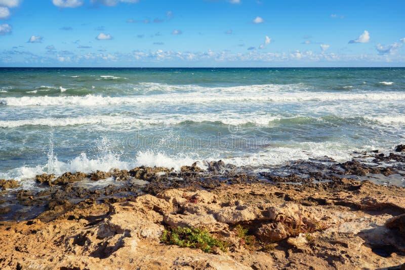 Vista del mar Mediterráneo moderado, España, Europa foto de archivo libre de regalías