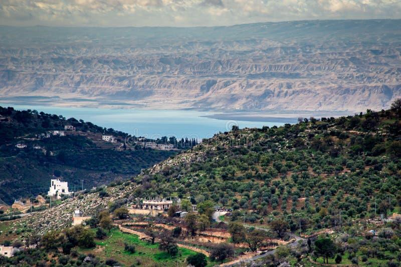 Vista del mar Morto da Amman fotografie stock libere da diritti