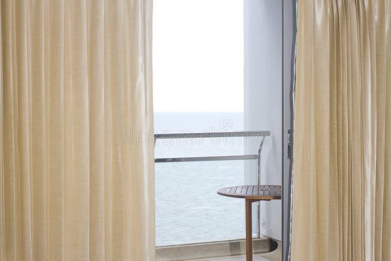 Download Vista del mare fotografia stock. Immagine di hotel, piccolo - 30829790