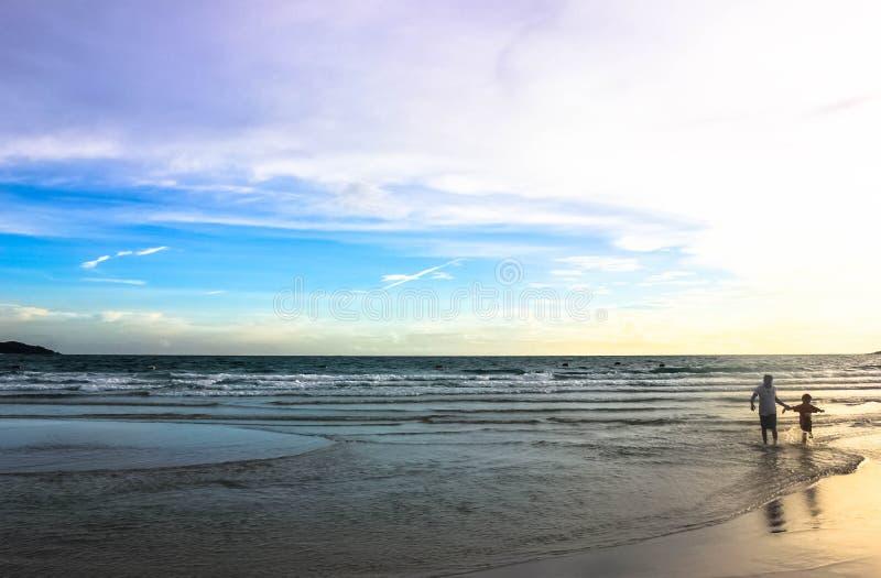 Vista del mare al tramonto immagini stock libere da diritti