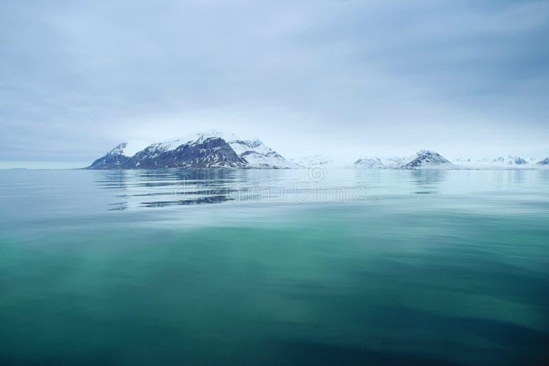 Vista del mare dello Svalbard fotografia stock