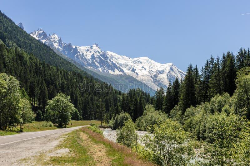 Vista del massiccio di Mont Blanc fotografie stock libere da diritti