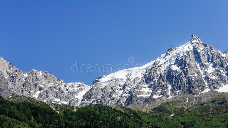 Vista del massiccio di Mont Blanc immagine stock libera da diritti