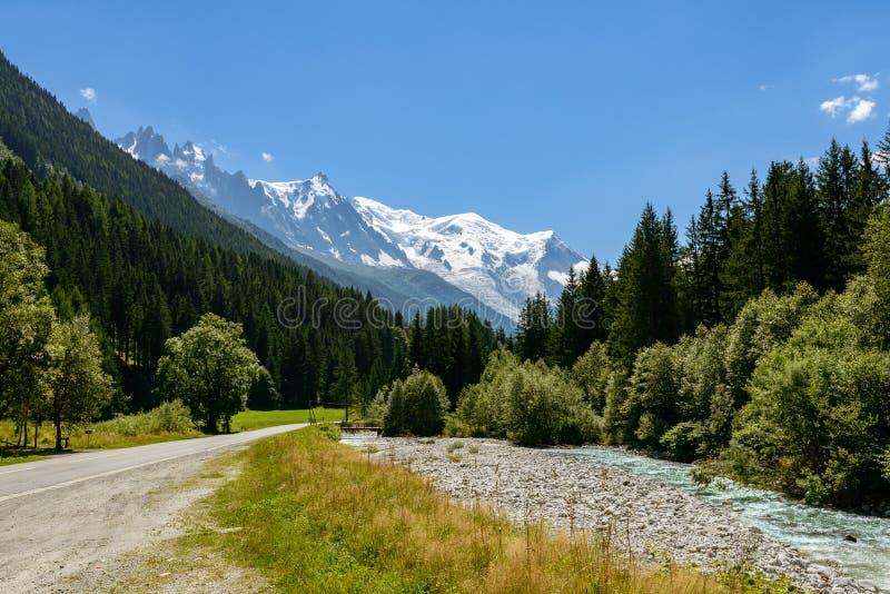 Vista del massiccio di Mont Blanc immagini stock libere da diritti