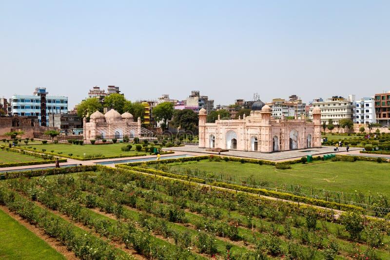 Vista del mausoleo de Bibipari en el fuerte de Lalbagh, Dacca, Bangladesh fotos de archivo libres de regalías