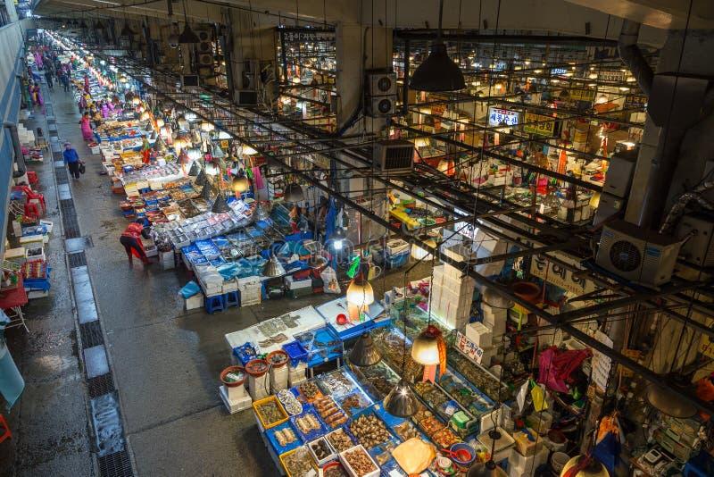 Vista del mercado de pescados de Noryangjin desde arriba en Seul foto de archivo