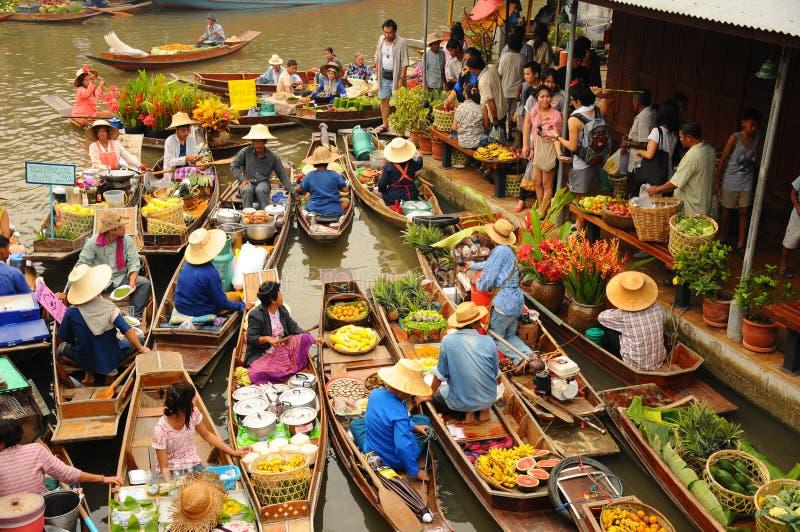 Vista del mercado flotante de Amphawa, Tailandia fotografía de archivo libre de regalías