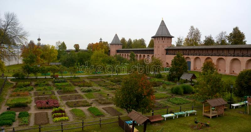 Vista del monasterio de Spaso-Evfimiyevsky en la ciudad de Suzdal fotografía de archivo