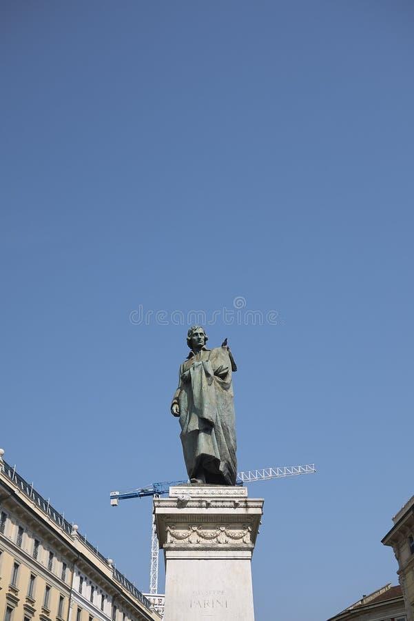 Vista del monumento de Giuseppe Parini imagen de archivo libre de regalías