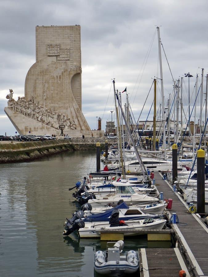 Vista del monumento a los descubrimientos en Lisboa fotos de archivo libres de regalías