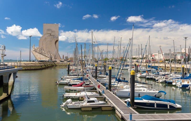 Vista del monumento a los descubrimientos en Lisboa fotografía de archivo libre de regalías