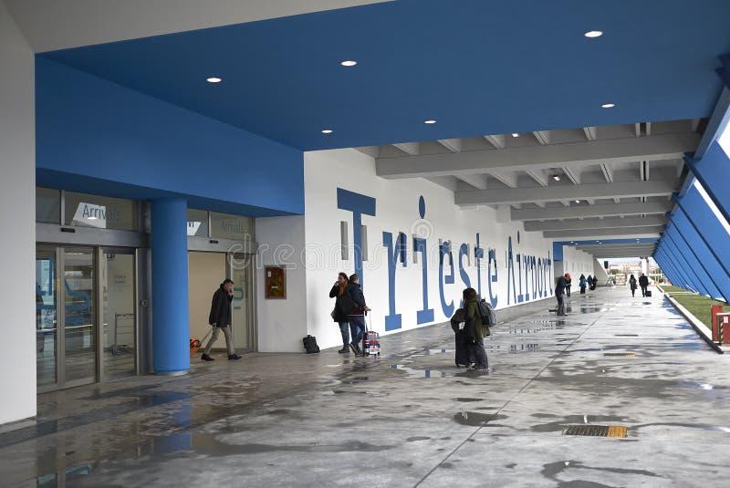 Vista del nuevo aeropuerto de Trieste fotografía de archivo libre de regalías