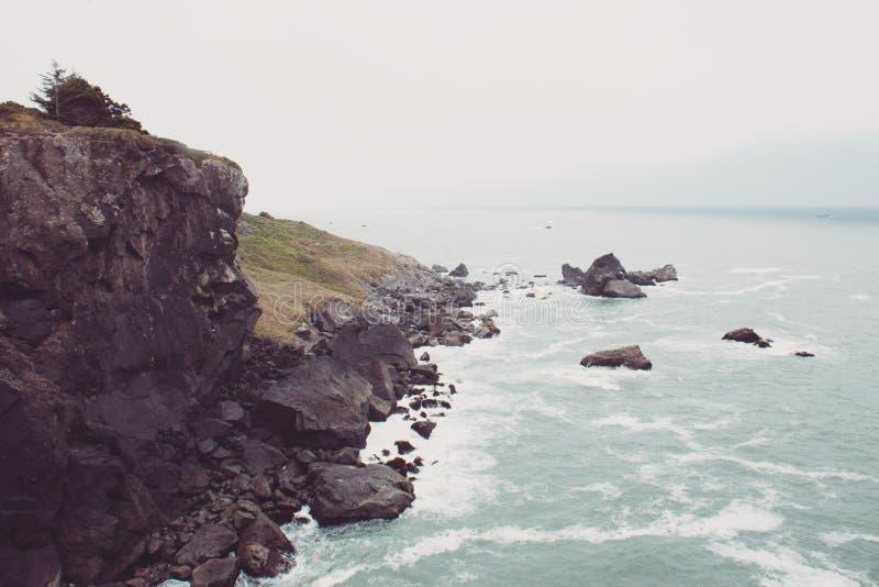 Vista del Océano Pacífico en el parque de estado del punto de Patricks cerca de Trinidad, California imagen de archivo libre de regalías